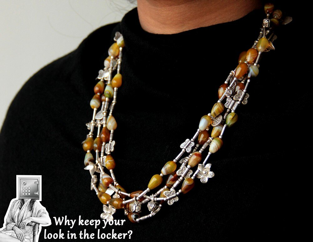 9999-18900-necklace-2.jpg