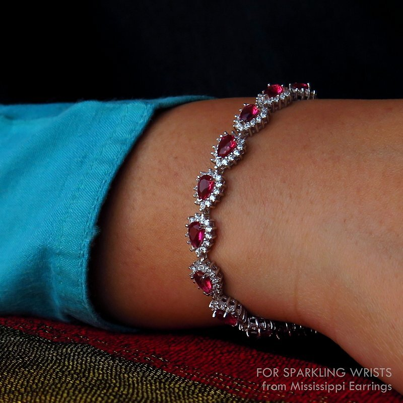 4250-4650-7-to-8-inches-17p1-to-20-cms-Sparkling-Wrists-5-Mississippi-Earrings.JPG